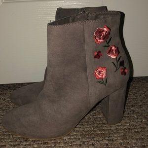 Heeled boots